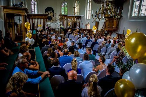 Live muziek bruiloft, trouwen in de kerk met akoestisch gitaarduo